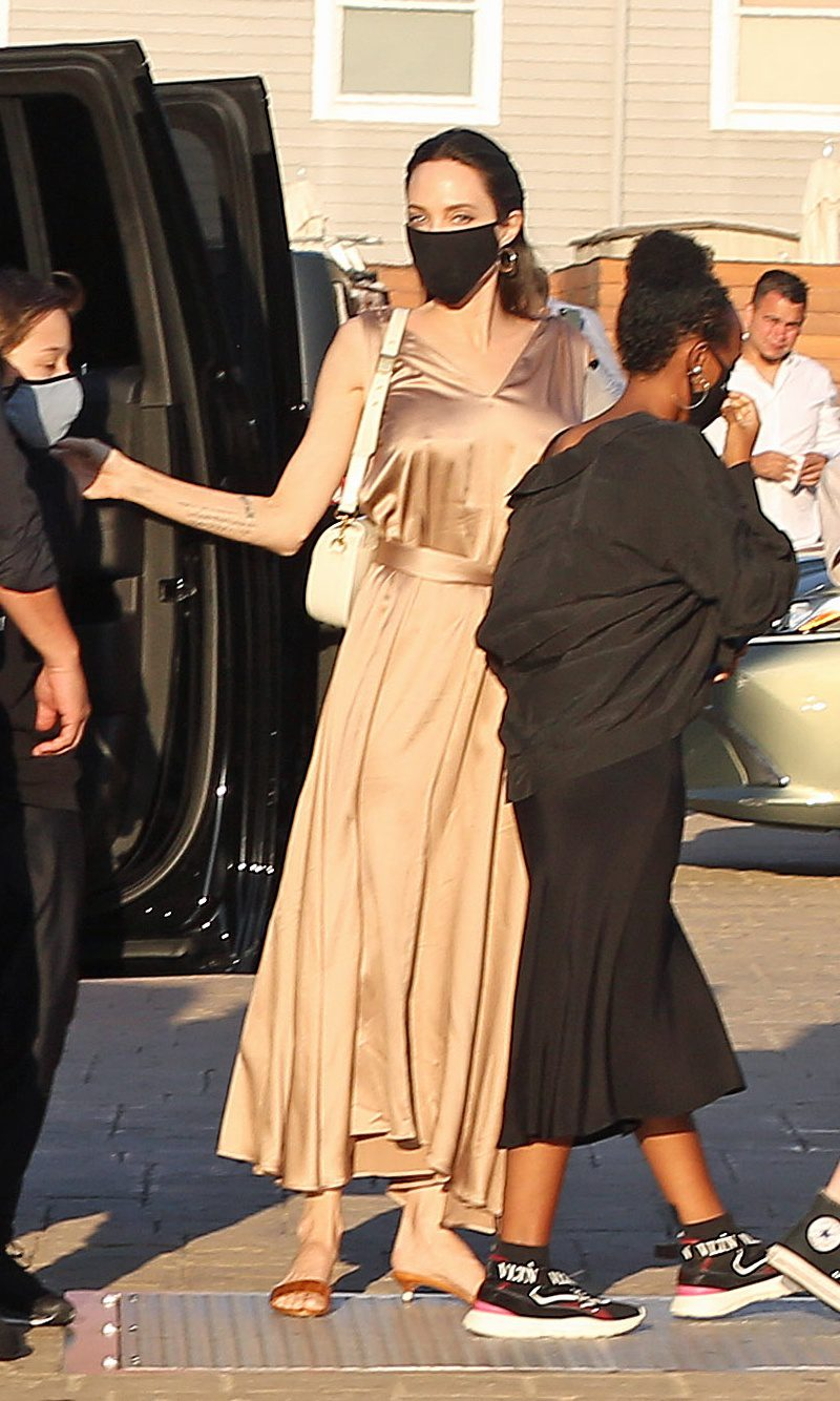 Angelina Jolie and all of her kids go to dinner to NOBU
