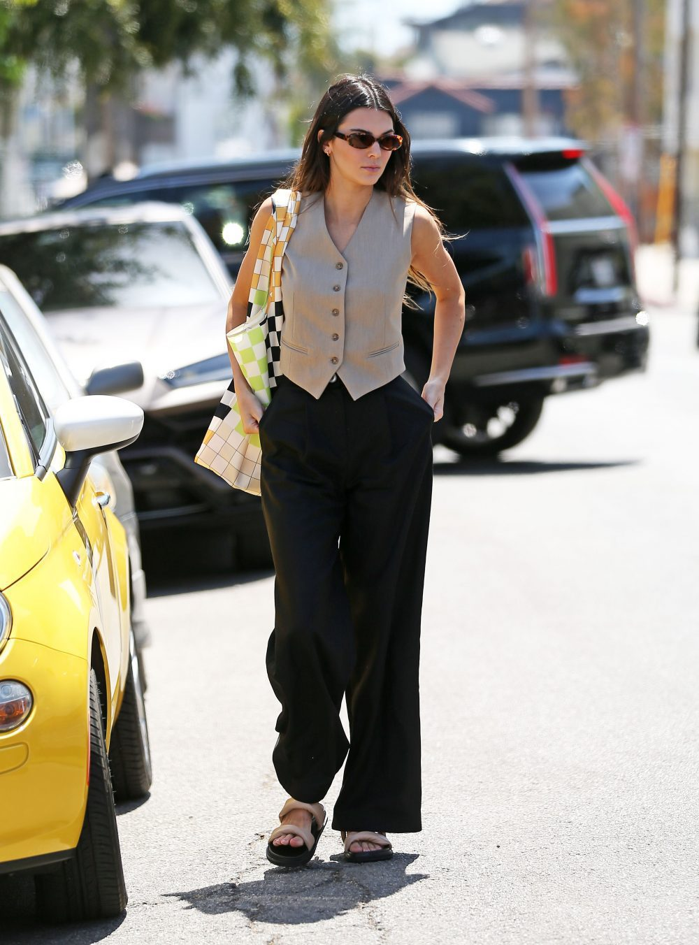Kendall Jenner looks stunning as she runs errands in Los Angeles